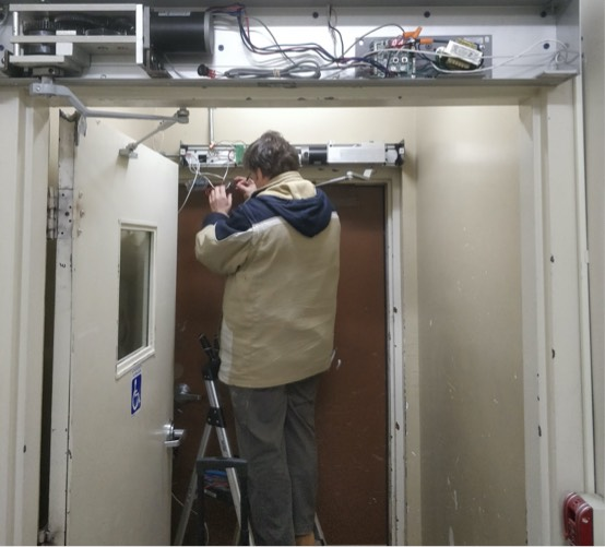 We provide residential and commercial door and locksmith services.