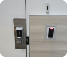 We offer high standard commercial and business locksmith services in the greater Toronto area.